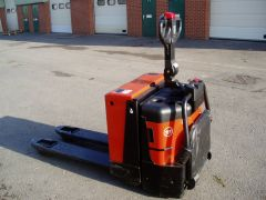 BT Rolatruc (TOYOTA) Electric Pallet Truck (used)